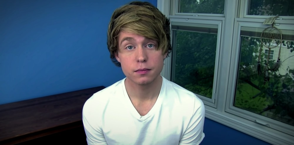 YouTube Star Austin Jones Pleads Guilty to Asking Underage Fans to Send Explicit Videos