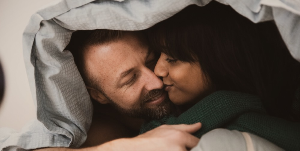 sex-sexy-couple-man-woman-blanket-bed